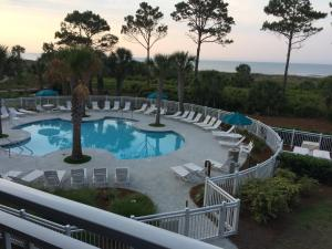 A view of the pool at Ocean Dunes Villas or nearby