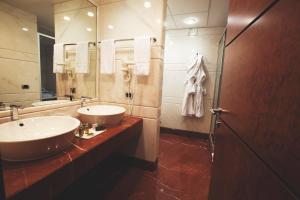A bathroom at Papillo Hotels & Resorts Roma