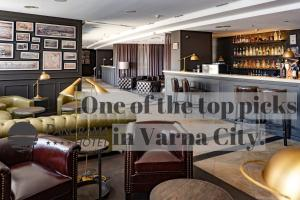 The lounge or bar area at Panorama Hotel