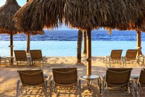 A restaurant or other place to eat at Renaissance Curacao Resort & Casino