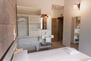 A bathroom at Hostal Rural Casa Nahia