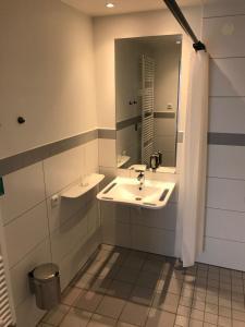 A bathroom at Haidhus