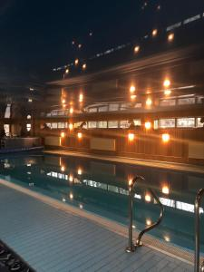 The swimming pool at or close to Gala Luxe