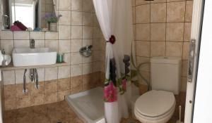 A bathroom at Athena Kythera