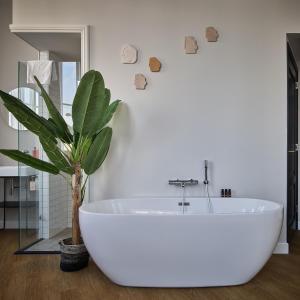 A bathroom at FINCH - boutique hotel