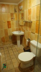 A bathroom at Hotel Morro do Careca