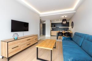 A seating area at Apartamenty N7