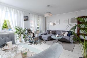 Część wypoczynkowa w obiekcie Apartamenty Latarnia Morska – Sun Seasons 24
