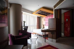 Coin salon dans l'établissement Jumeirah Creekside Hotel