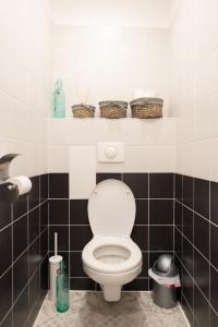 A bathroom at La Maison du Pont Rose