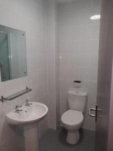 A bathroom at The Bournbrook Inn