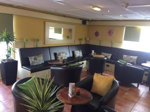 A restaurant or other place to eat at Campanile Hotel Wakefield