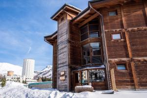 Chalet Weal during the winter