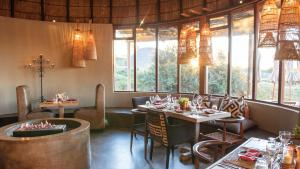 A restaurant or other place to eat at Gondwana Game Reserve