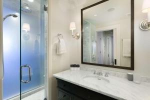 A bathroom at Shadow Mountain 13