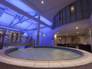 The swimming pool at or near Gloucester Robinswood Hotel, BW Signature Collection