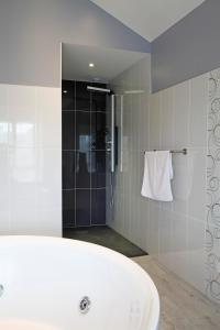 A bathroom at Chambre d'Hotes de la Loge