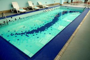 The swimming pool at or near Bristol International Airport Hotel