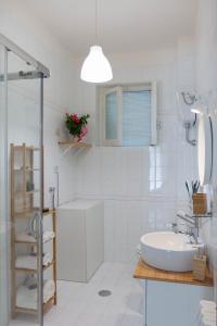 A bathroom at Gaia14