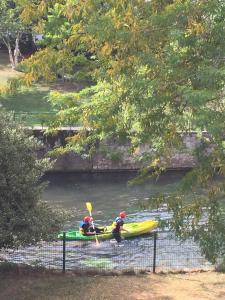 Canoë-kayak sur le terrain de l'appart'hôtel ou à proximité