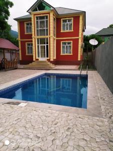 A piscina localizada em Qabala SWEET Home ou nos arredores
