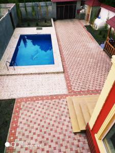 Uma vista da piscina em Qabala SWEET Home ou nos arredores