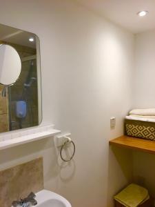 A bathroom at Craigs Lodges