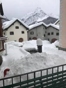 B&B Hotel & Appartements Chasa Valär durante l'inverno