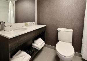 A bathroom at Hotel Classique