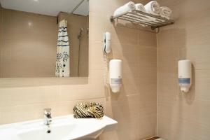 A bathroom at Cyprotel Faliraki