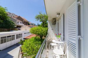 A balcony or terrace at Rooms & Apartments Barišić