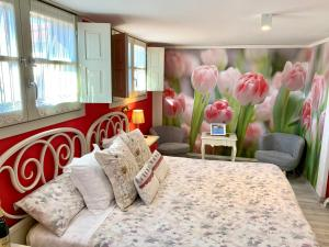 Cama o camas de una habitación en Suites con Jacuzzi Santillana