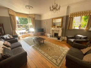A seating area at Beldon House
