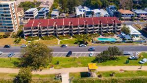 A bird's-eye view of Sandrift Beachfront Apartments