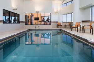 The swimming pool at or near Courtyard by Marriott Minneapolis Downtown