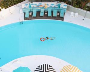 Uitzicht op het zwembad bij Gold Playa del Ingles - Adults Only of in de buurt