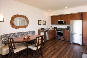 A kitchen or kitchenette at Kings' Land by Hilton Grand Vacations Club