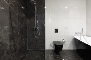 A bathroom at Premium Park Hotel