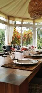 Ein Restaurant oder anderes Speiselokal in der Unterkunft Roca Verde, Boutique Bed & Breakfast