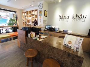 The lobby or reception area at Hangkhau Hotel