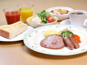 Breakfast options available to guests at Takaoka Manten Hotel Ekimae