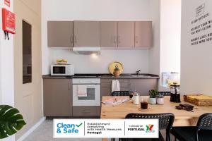 Cucina o angolo cottura di The Indy House - Rooms & Apartments