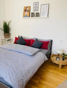 Ein Bett oder Betten in einem Zimmer der Unterkunft 2 Zimmer Apartment