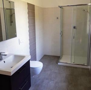 A bathroom at Villa Bella Piemonte