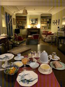 Restaurant ou autre lieu de restauration dans l'établissement Cote Montmartre