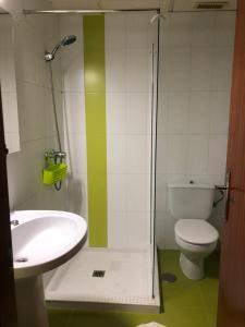 Un baño de Apartamentos La Mar
