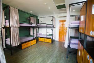 峴港康提基旅舍房間的上下舖