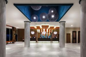 The lobby or reception area at Riu Vistamar - All Inclusive