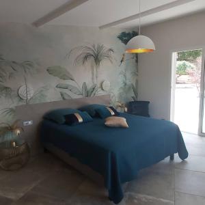 A bed or beds in a room at Villa Nais B&B