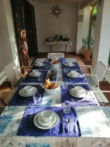 A restaurant or other place to eat at B&B Vacanza Facile